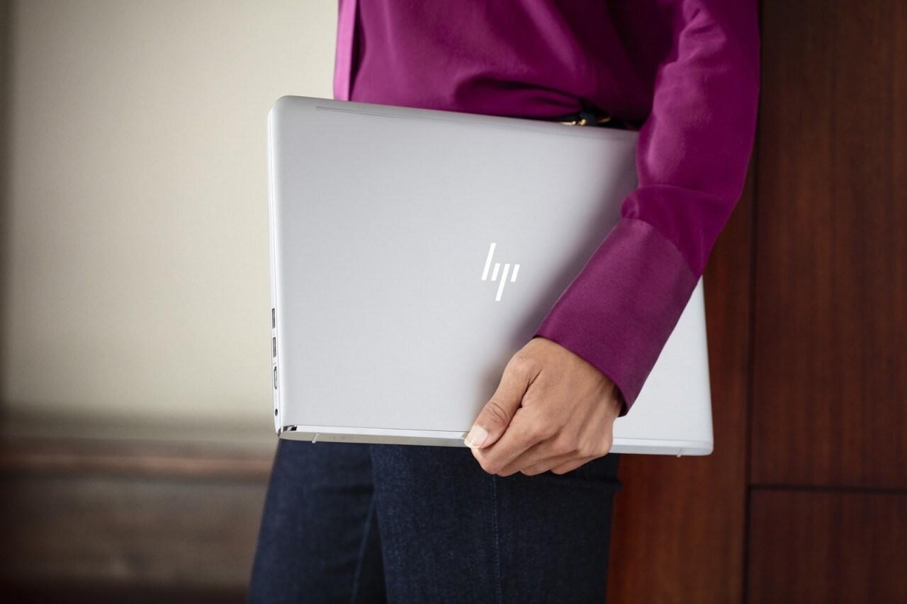 """L'ultrabook HP ENVY da 13"""" con Kaby Lake è più leggero e con più batteria (foto)"""