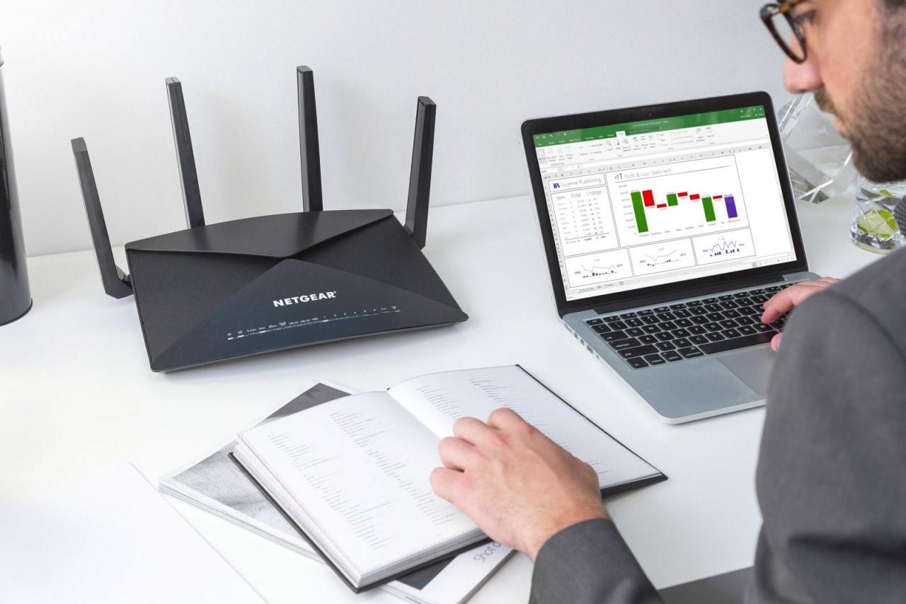 Il nuovo router Netgear Nighthawk X10 integra anche un server Plex