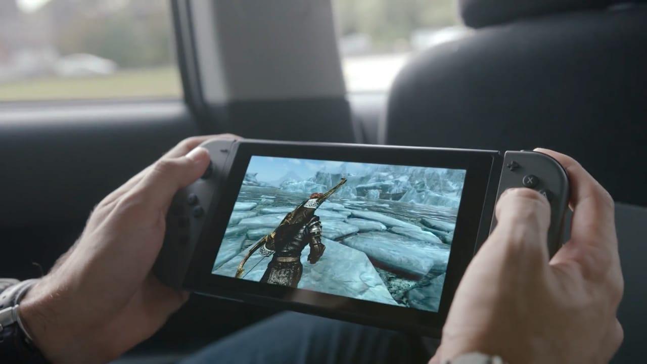Nintendo Switch - Ecco la sezione principale della nuova console: una sorta di tablet con controller laterali removibili.