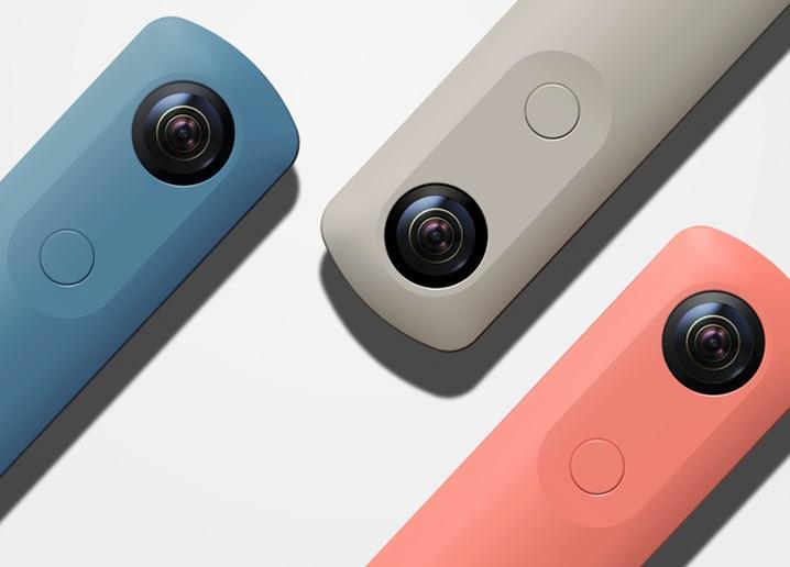 La nuova cam a 360° di Ricoh è più piccola, colorata ed economica (foto)