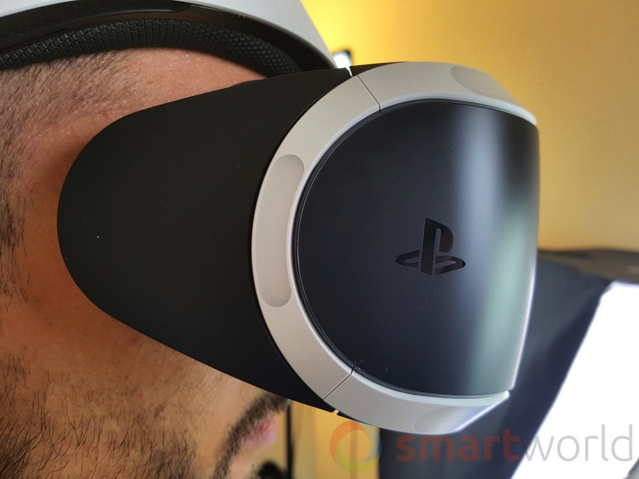 Unboxing PlayStation VR - 18