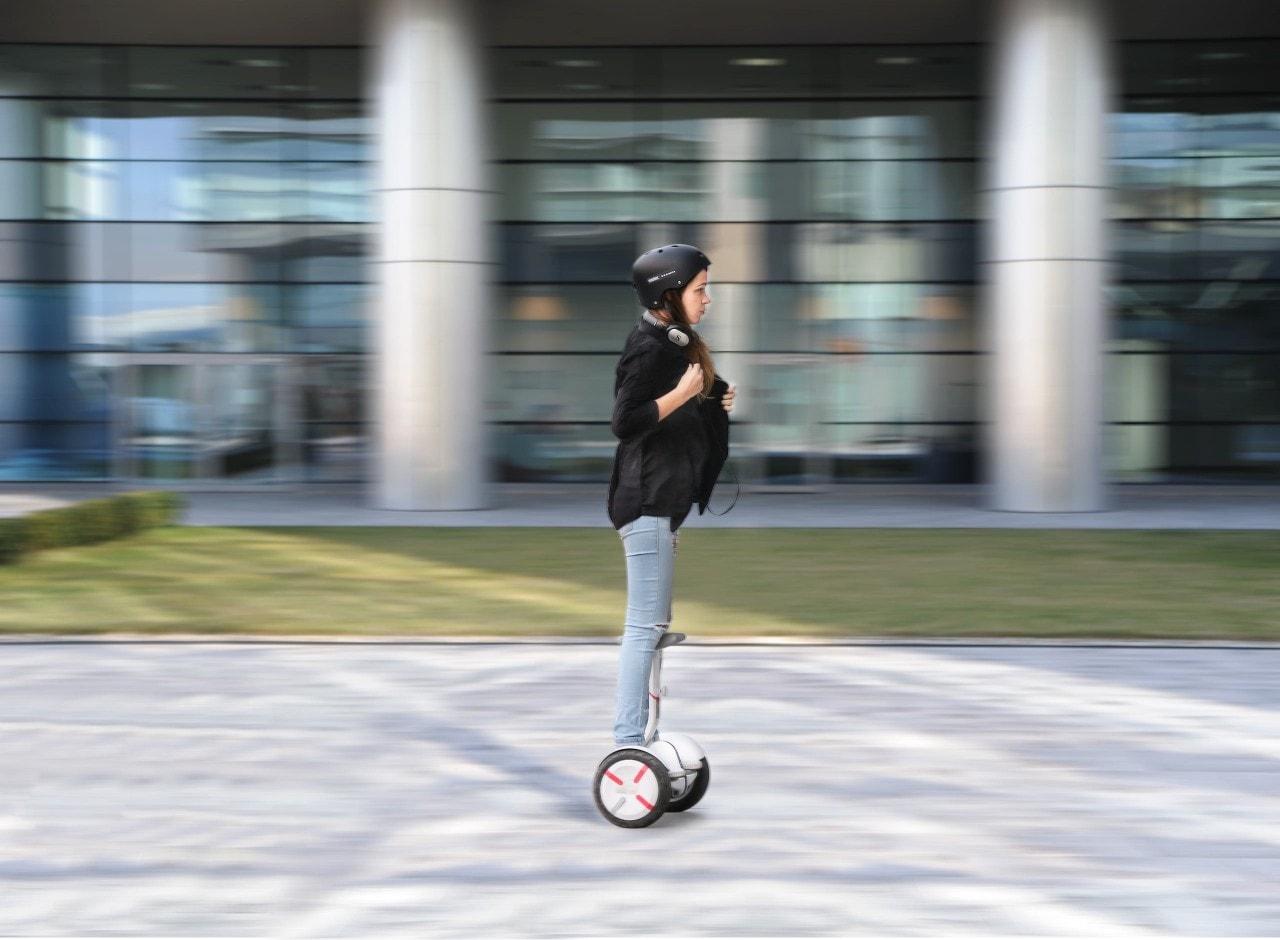 Ninebot Mini Pro, lo scooter elettrico smart, arriva in Italia (foto)