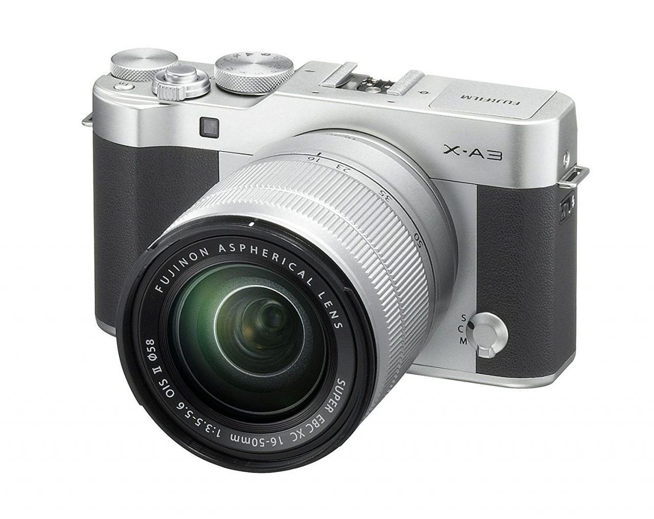 Fujifilm richiama i caricabatterie di molte fotocamere in USA e Canada per possibili pericoli di shock elettrico (foto)