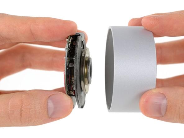 Cosa c'è dentro Surface Dial? La manopola smart sotto i cacciavite di iFixit