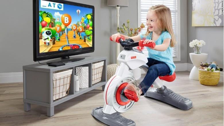 Fisher-Price presenta Think and Learn Smart Cycle, la cyclette che insegna e tiene in movimento i bambini (foto)