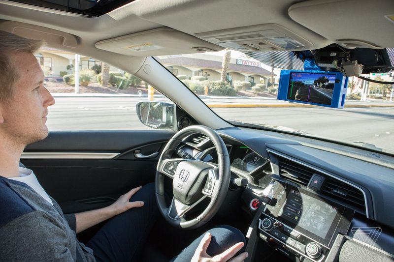 Ogni auto può diventare a guida autonoma o assistita grazie a Neodriven (foto)