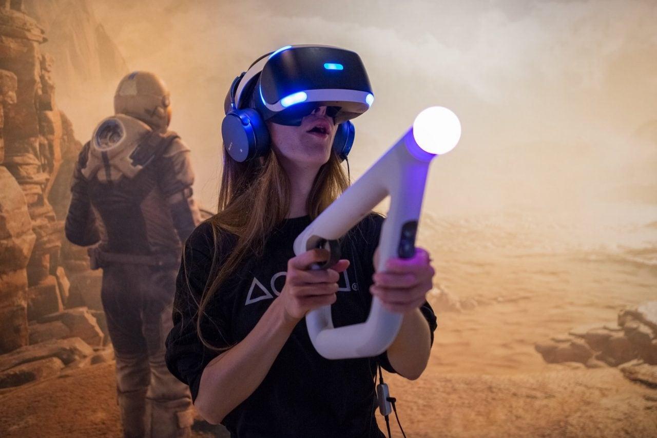 Le vendite di PlayStation VR sorprendono anche Sony