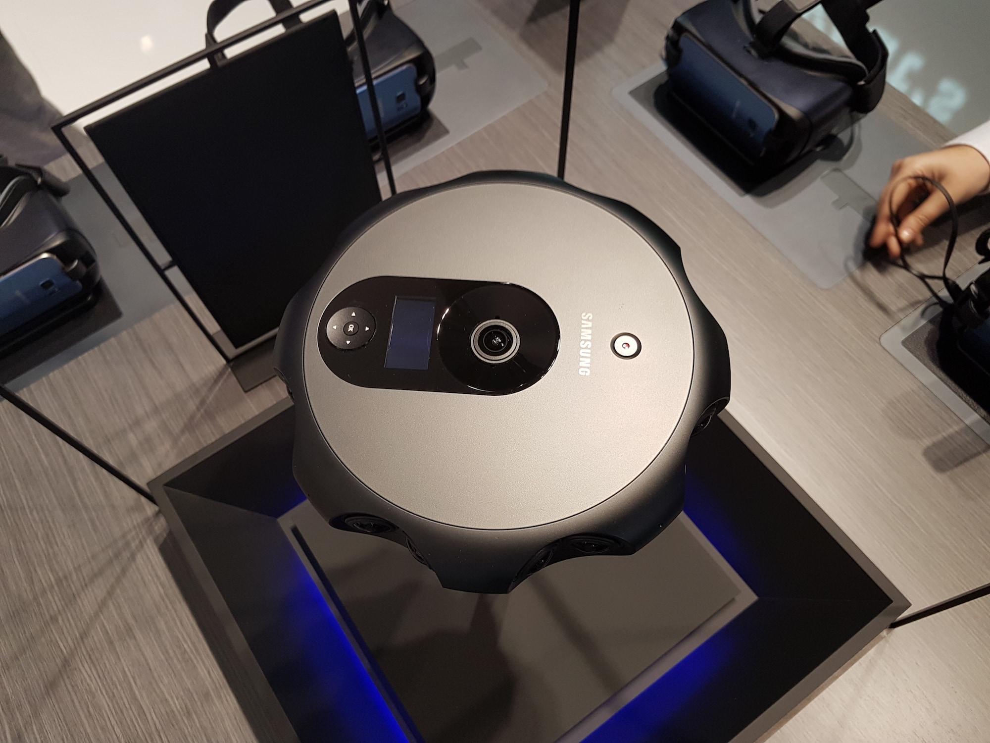 samsung-3d-360-camera-2