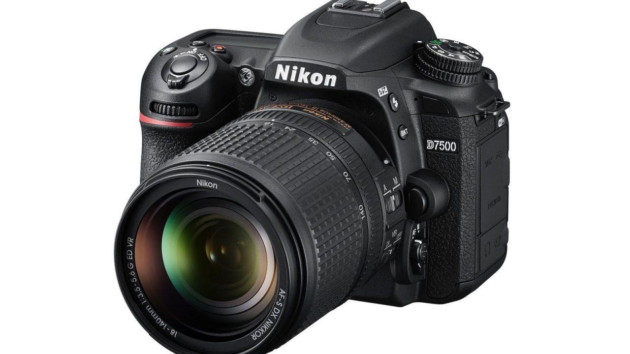 """Nikon D7500 è la nuova """"mini D500"""" per la fascia medio-alta, che fa video anche in 4K (foto)"""