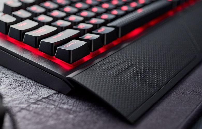 Corsair K68 tastiera gaming impermeabile (2)