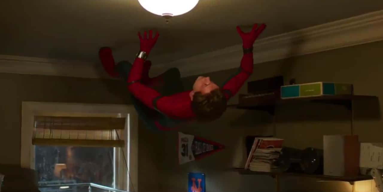 Come nasconde un liceale la propria vita da supereroe? Scopritelo nelle nuove clip da Spider-Man: Homecoming (video)