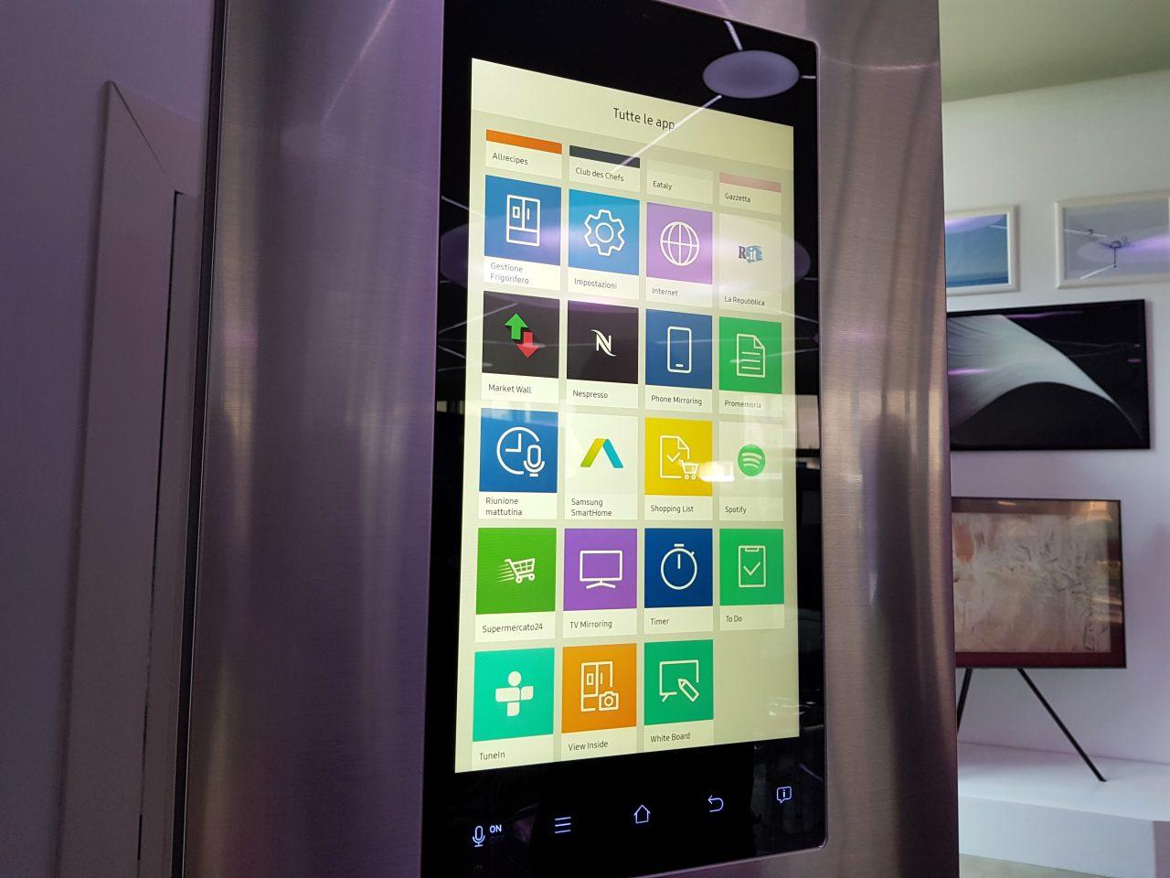 Il frigo smart di samsung anteprima del frigorifero tizen for Nuovo frigo samsung