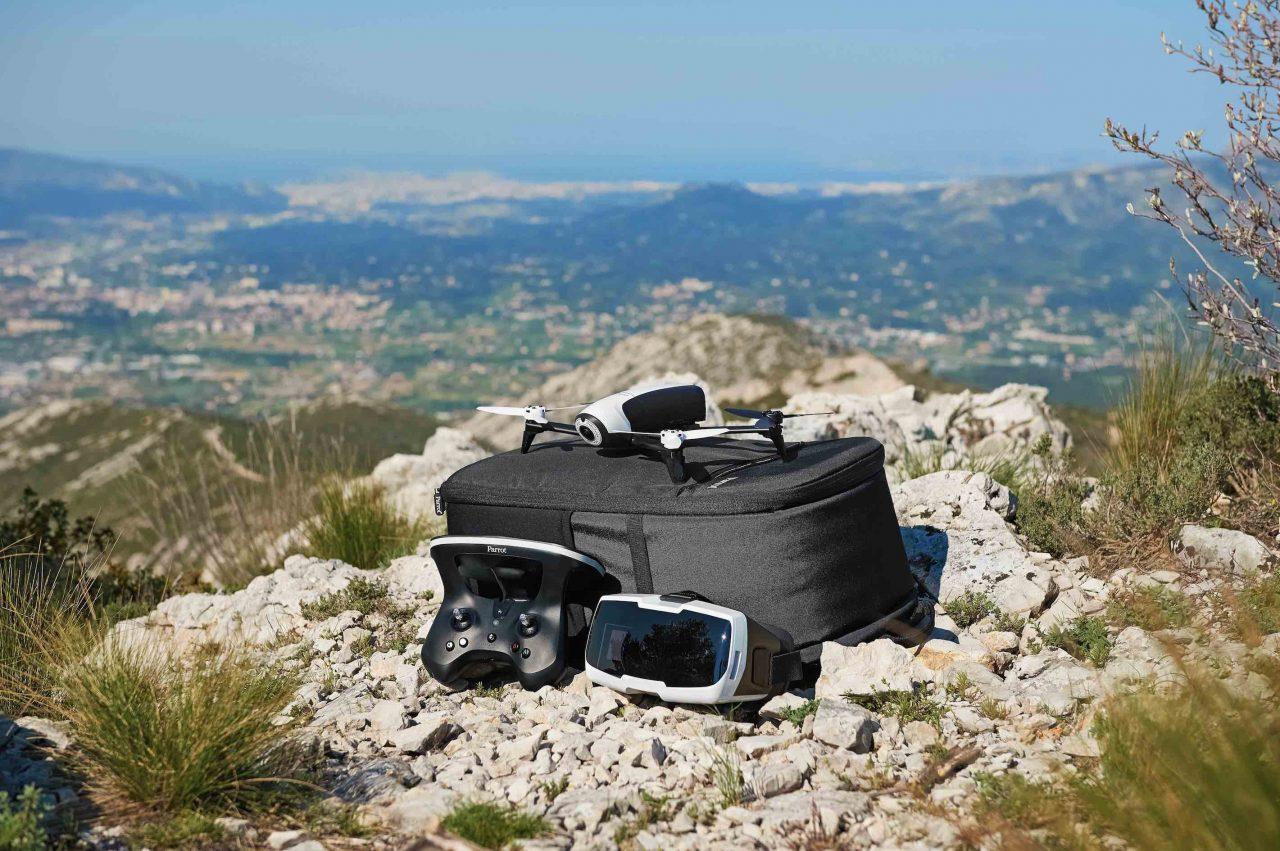 Parrot rende più portatili i suoi droni con i kit Adventurer in edizione limitata (foto)