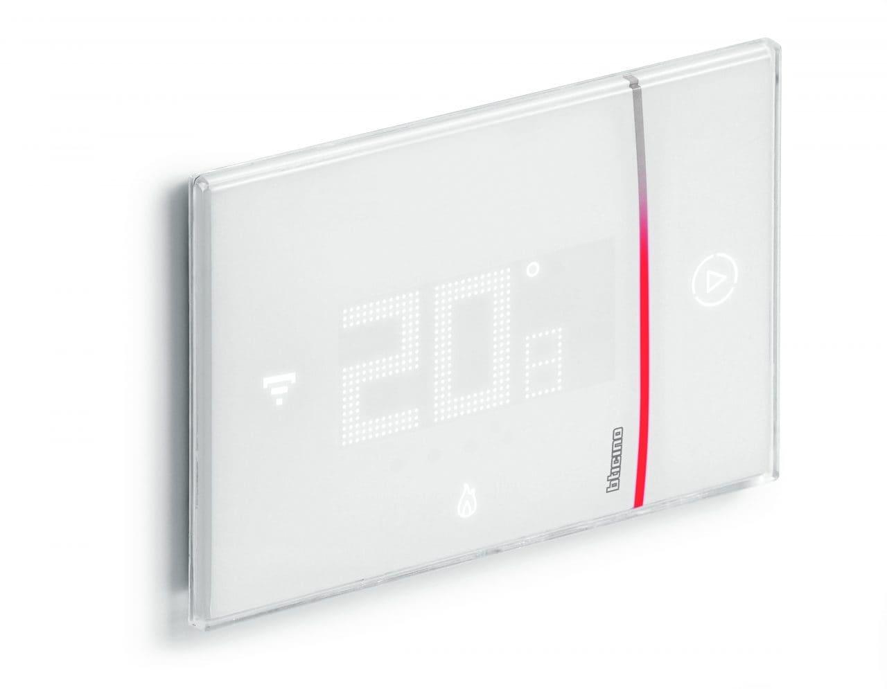 Bticino smarther anteprima del termostato smart con il tasto
