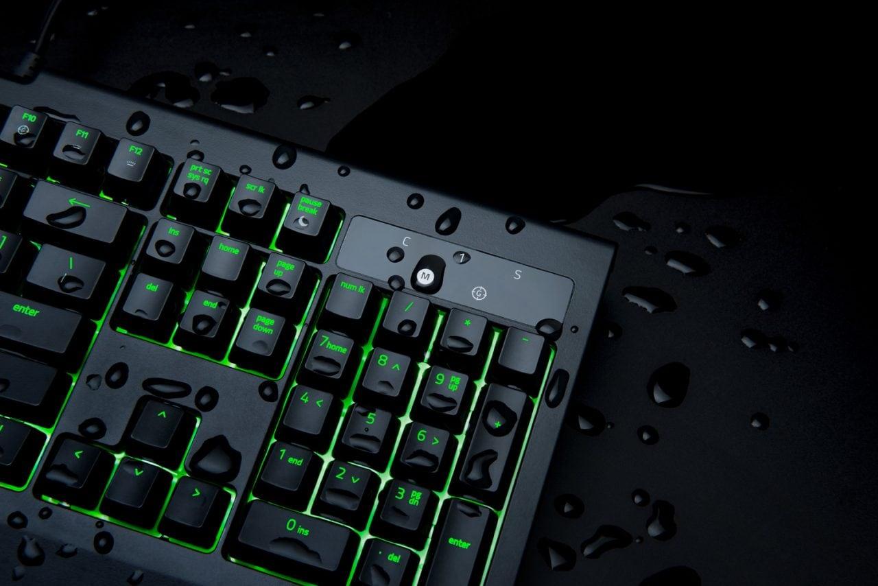 La nuova tastiera BlackWidow Ultimate di Razer non ha paura di bagnarsi (foto)