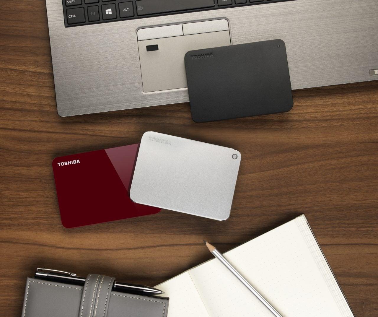Toshiba presenta i nuovi hard disk portatili della serie Canvio: nuovo design sempre più sottile (foto)