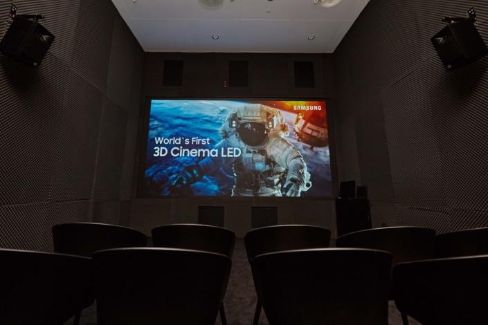 """Samsung lancia il primo schermo """"3D Cinema LED"""" (video)"""