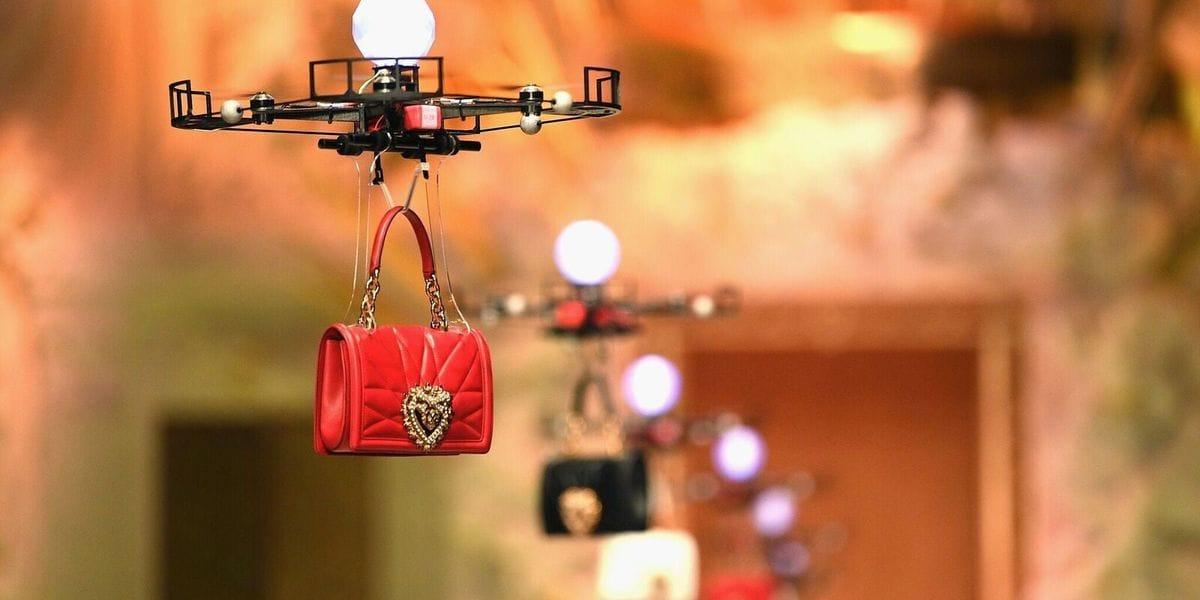 Se il drone diventa una modella (video)