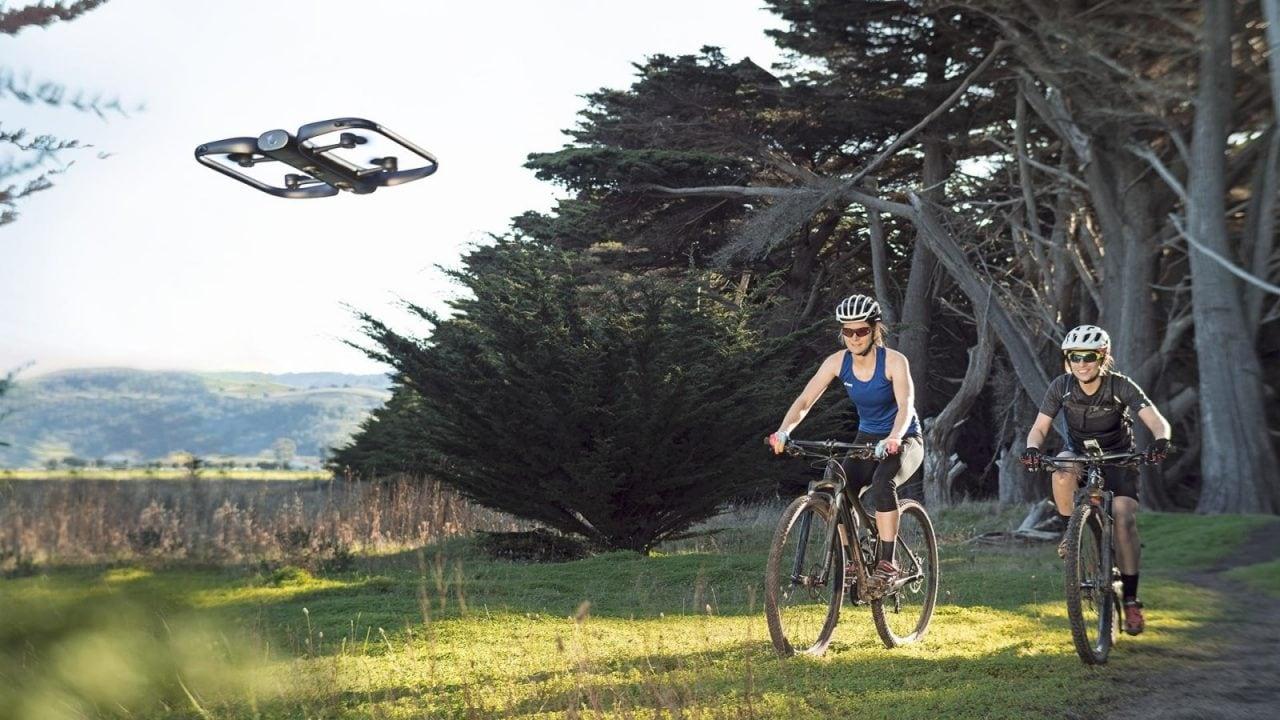 Skydio R1 è il drone più smart al mondo grazie al suo avanzatissimo sistema di tracking (foto e video)
