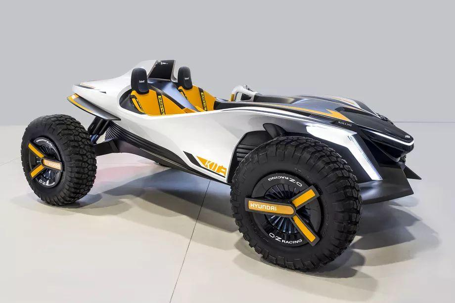 Hyundai Kite è uno stravagante e futuristico incontro fra una dune buggy e una Amphicar (foto)