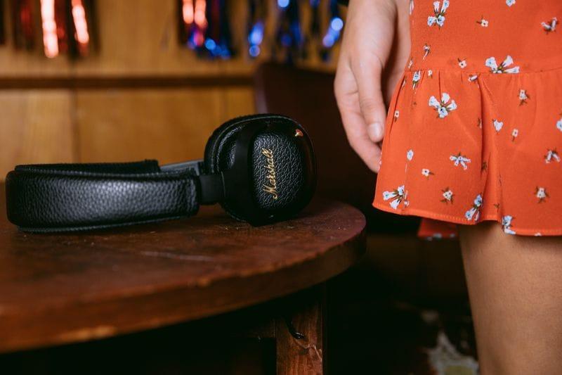 Marshall evolve le sue cuffie Bluetooth integrando la cancellazione rumore attiva: ecco le nuove Mid ANC (video e foto)