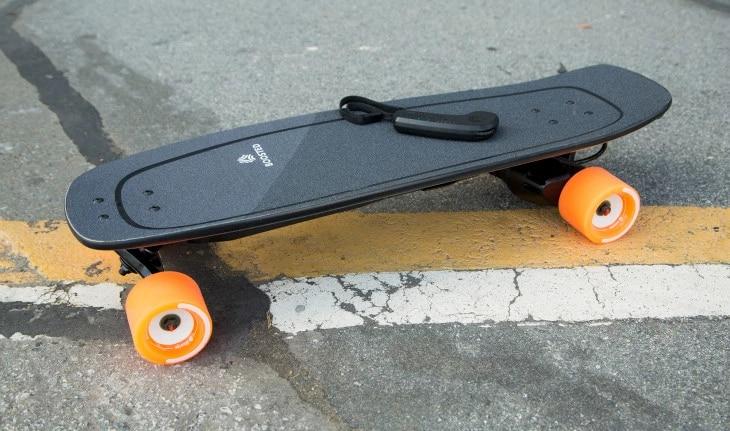"""Boosted rinnova la sua gamma di skateboard elettrici con due modelli """"piccoli"""" e due longboards (foto)"""