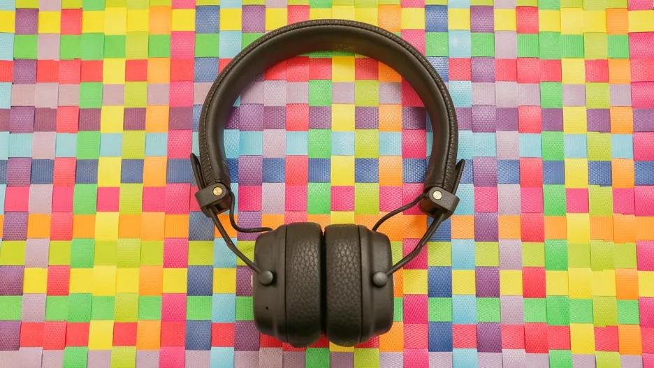 06-marshall-major-iii-bluetooth-headphones