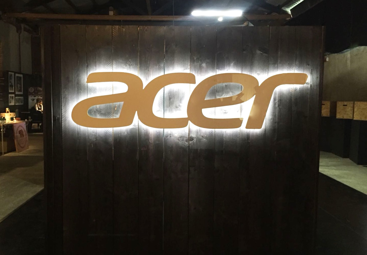 acer-swift-7-stand-mans-world-milano-03