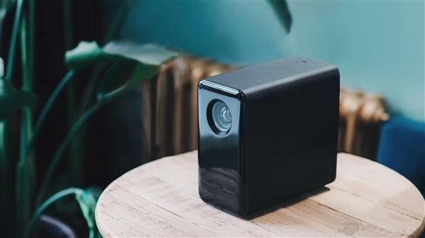 Xiaomi lancia un nuovo proiettore tramite il brand MIJIA (foto)