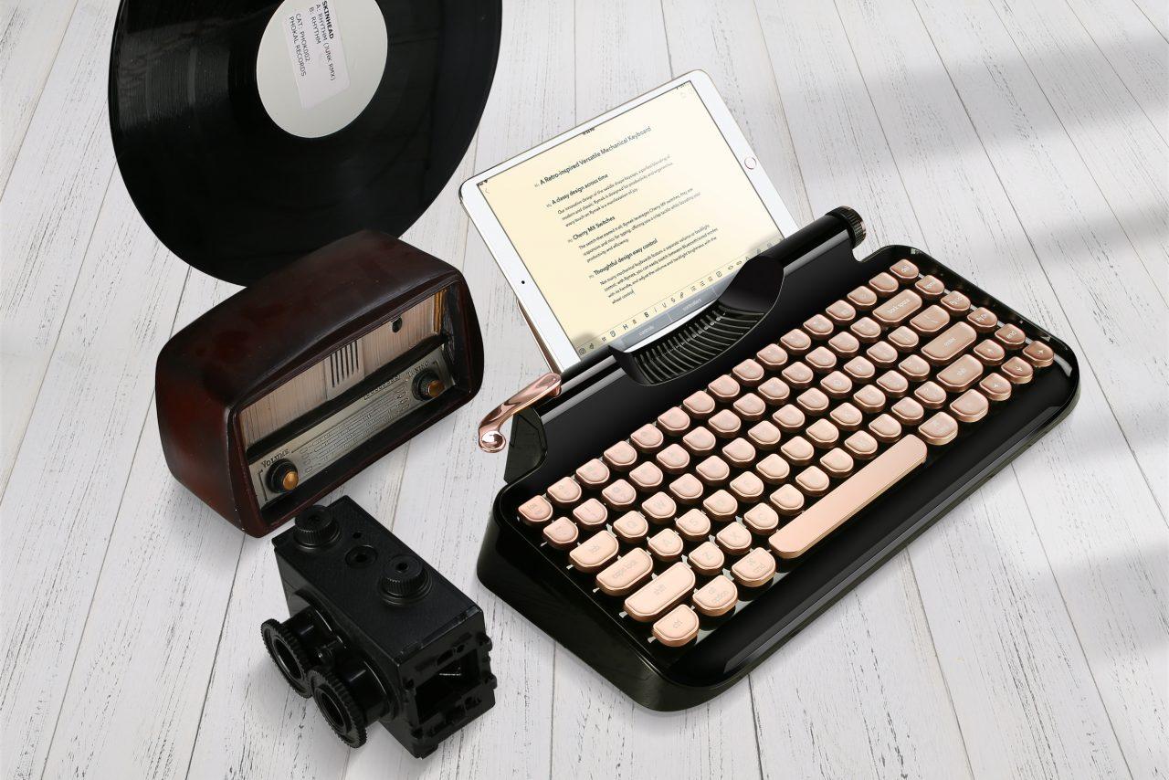 """Rymek è una tastiera stile """"steampunk"""", perfetta per tipi tecnologici amanti del vintage (foto)"""