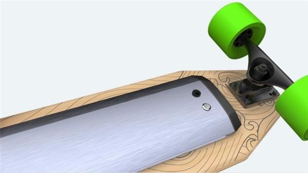 Xiaomi sta pensando ad uno smart skateboard con controlli wireless e luci LED a meno di 140€ (video e foto)