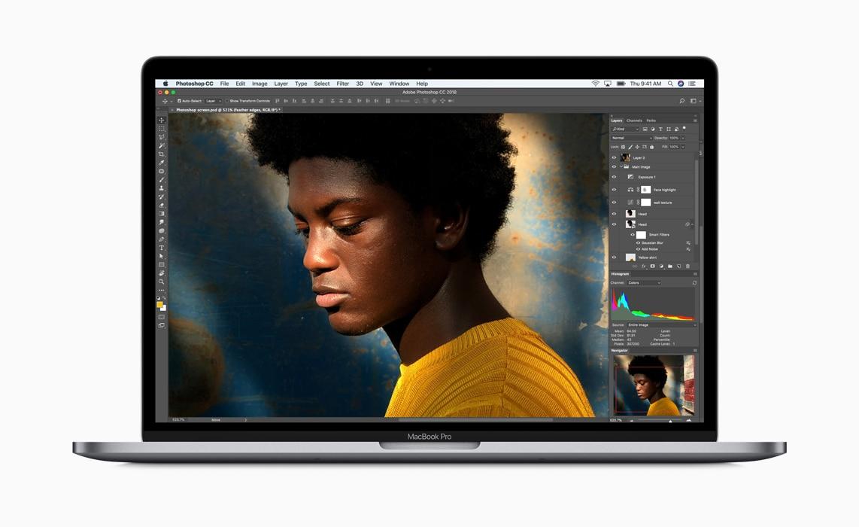 """MacBook Pro 15"""" 2018 in versione top scontato di 600€ su Amazon"""