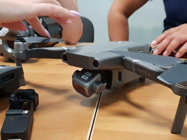 DJI Mavic (Pro) 2 appare in un primo scatto rubato: il re dei droni portatili sta tornando?