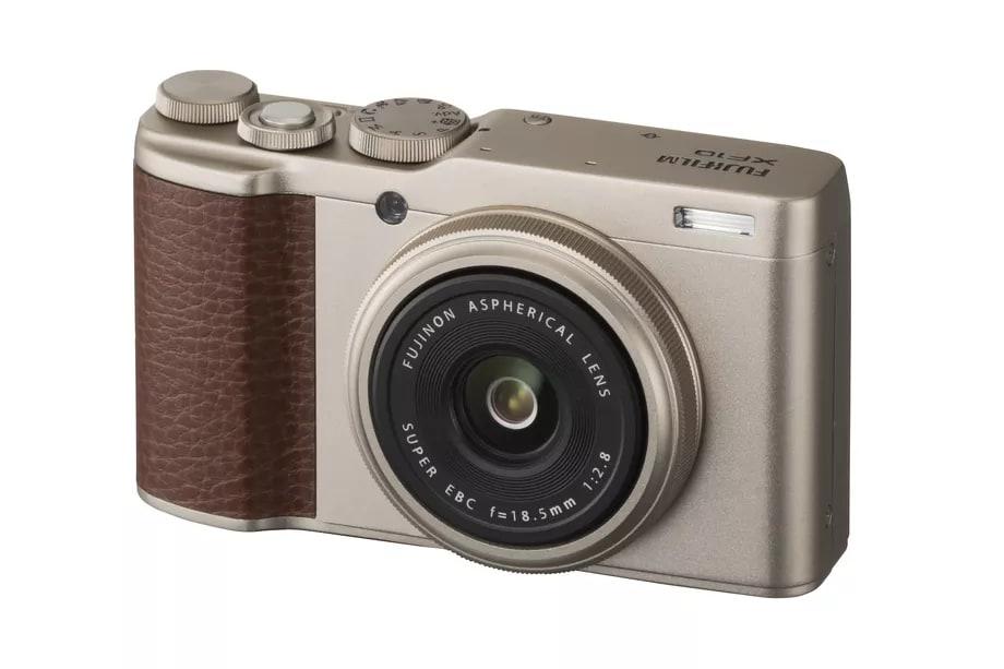 Fujifilm annuncia la nuova XF10, piccola compatta con un grande sensore (foto e video)