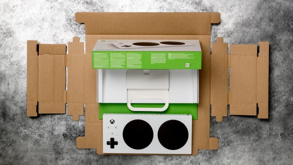 Xbox Adaptive Controller: anche la scatola è stata progettata interamente pensando all'accessibilità (video)