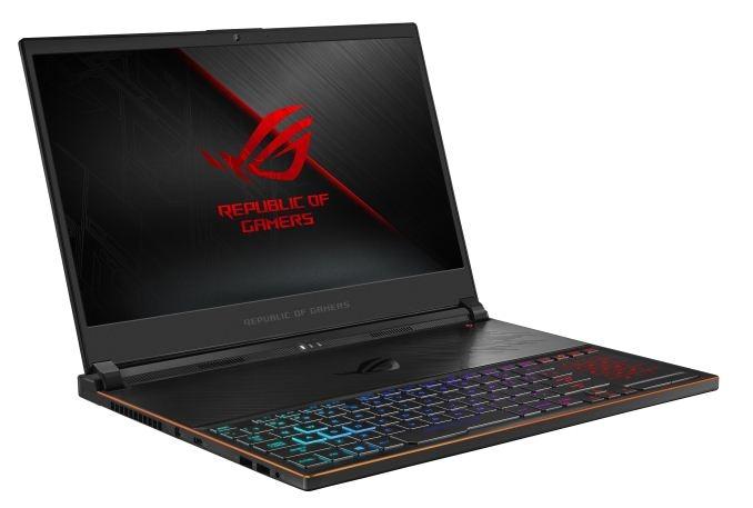 Due nuovi ASUS ROG: Zephyrus S (il più sottile laptop gaming al mondo) e Strix SCAR II GL704 (foto)
