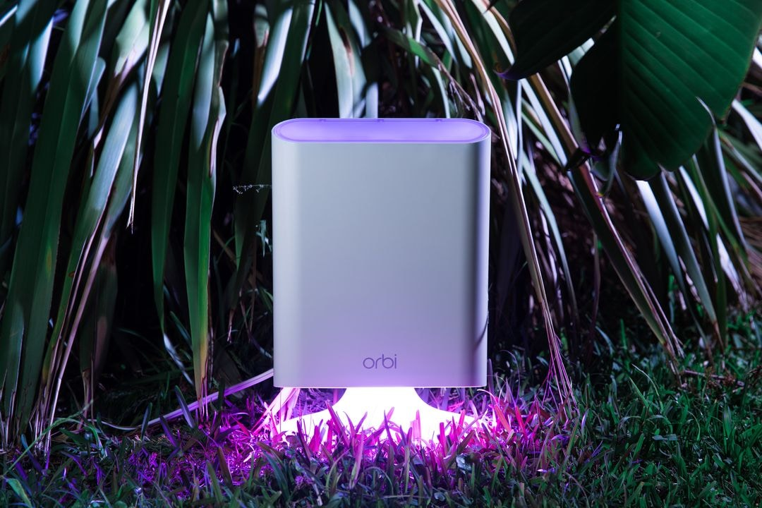 netgear-orbi-outdoor-02