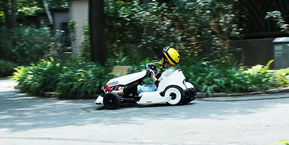 Trasformare un mini scooter in un go kart? Con questo kit, se avete un Mi Ninebot Plus, lo potete fare (foto)