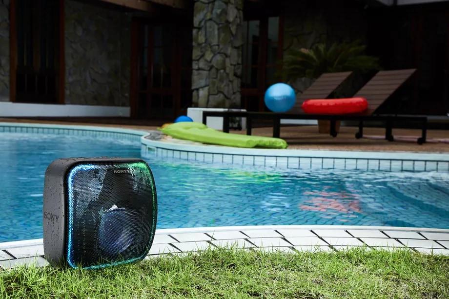 Con questo speaker portatile di Sony potete fare festa anche insieme a Google Assistant (foto)