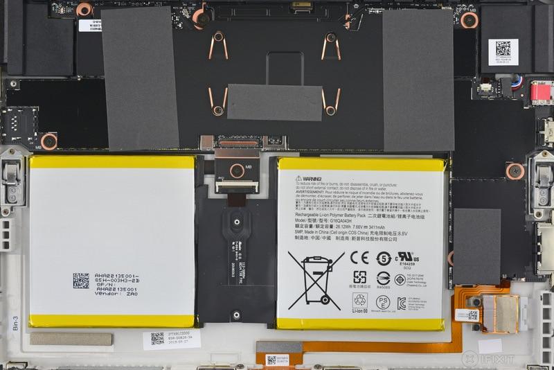 """Quanto sono nerd questi """"sfondi teardown"""" di iFixit per Microsoft Surface Go? (foto)"""