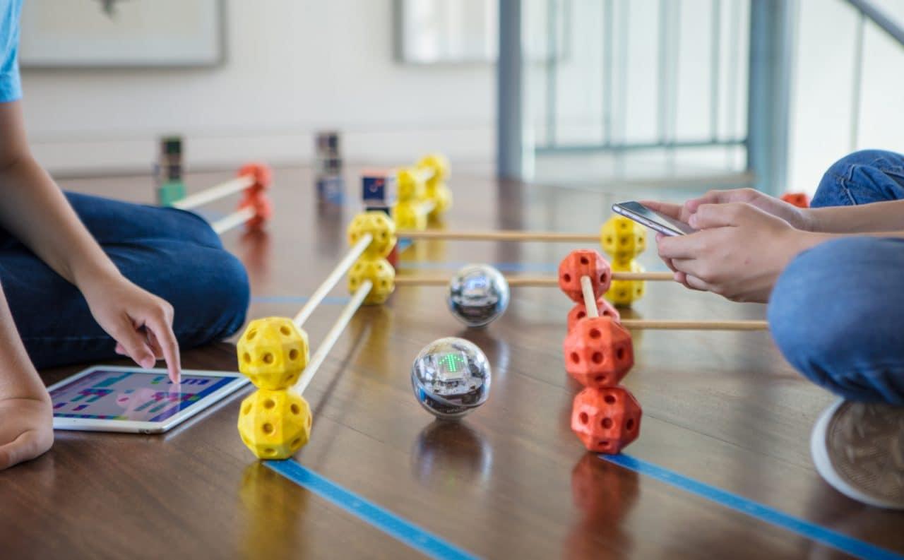 Sphero Bolt è la pallina-robot con luci LED programmabile che stavate cercando (foto)