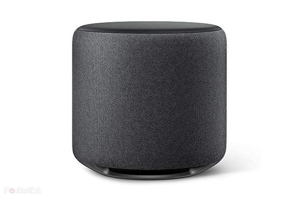 Amazon pronto al lancio di Echo Sub e Smart Plug: nuovi accessori con Alexa per la casa smart (foto)