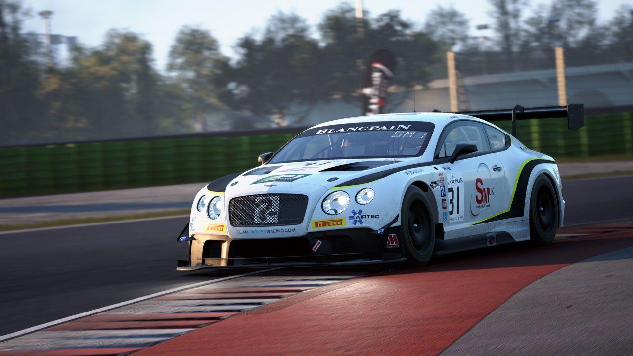 Assetto Corsa Competizione si arricchisce già dei primi contenuti: supporto al VR, nuova auto e circuito e altro