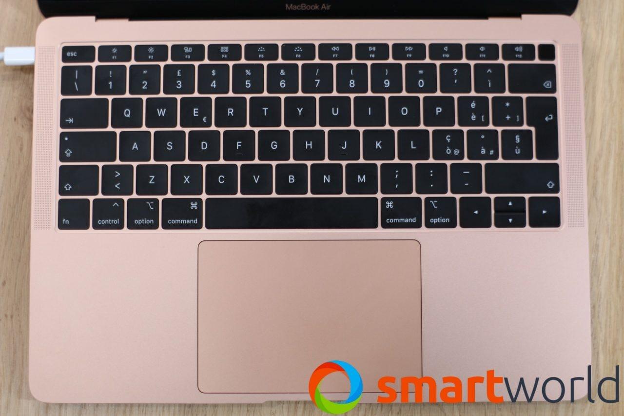 Apple ha esteso il programma di riparazione per le tastiere a tutti i MacBook