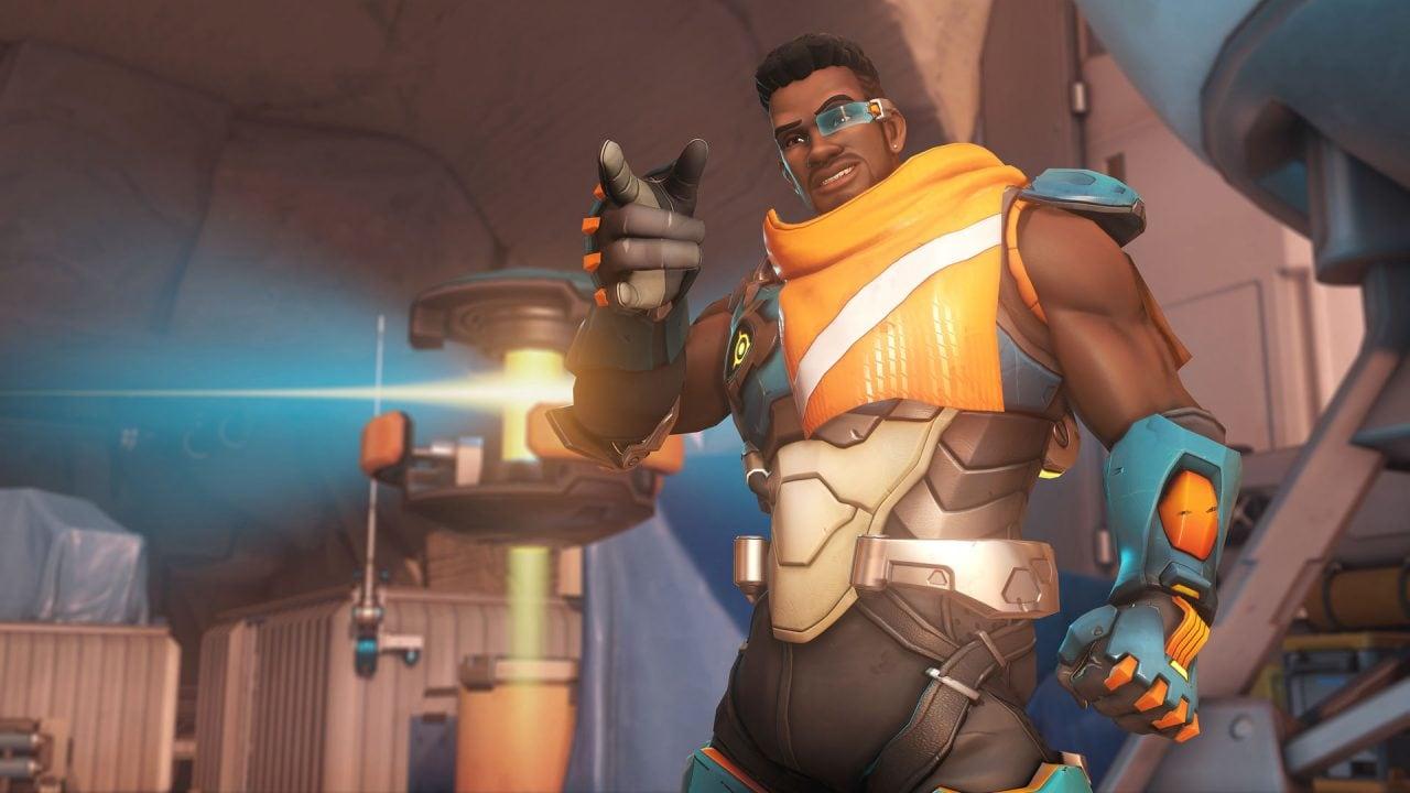 Il nuovo eroe di Overwatch cura a nastro e pesta come un fabbro (aggiornato: disponibile per tutti e nuovi video)
