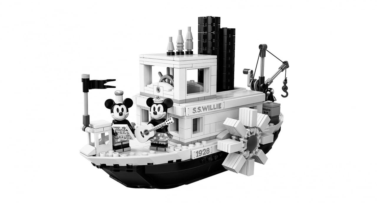 LEGO Steamboat Willie: il set perfetto per i fan Disney/Topolino, il prezzo però non è vostro amico