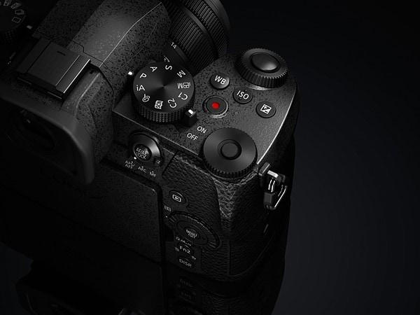 Panasonic Lumix G90: più megapixel e funzioni da videocamera (quasi) pro (foto)