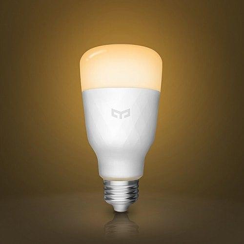 Con soli 14€ potete portarvi a casa una lampadina smart Yeelight che funziona con Assistant e Alexa