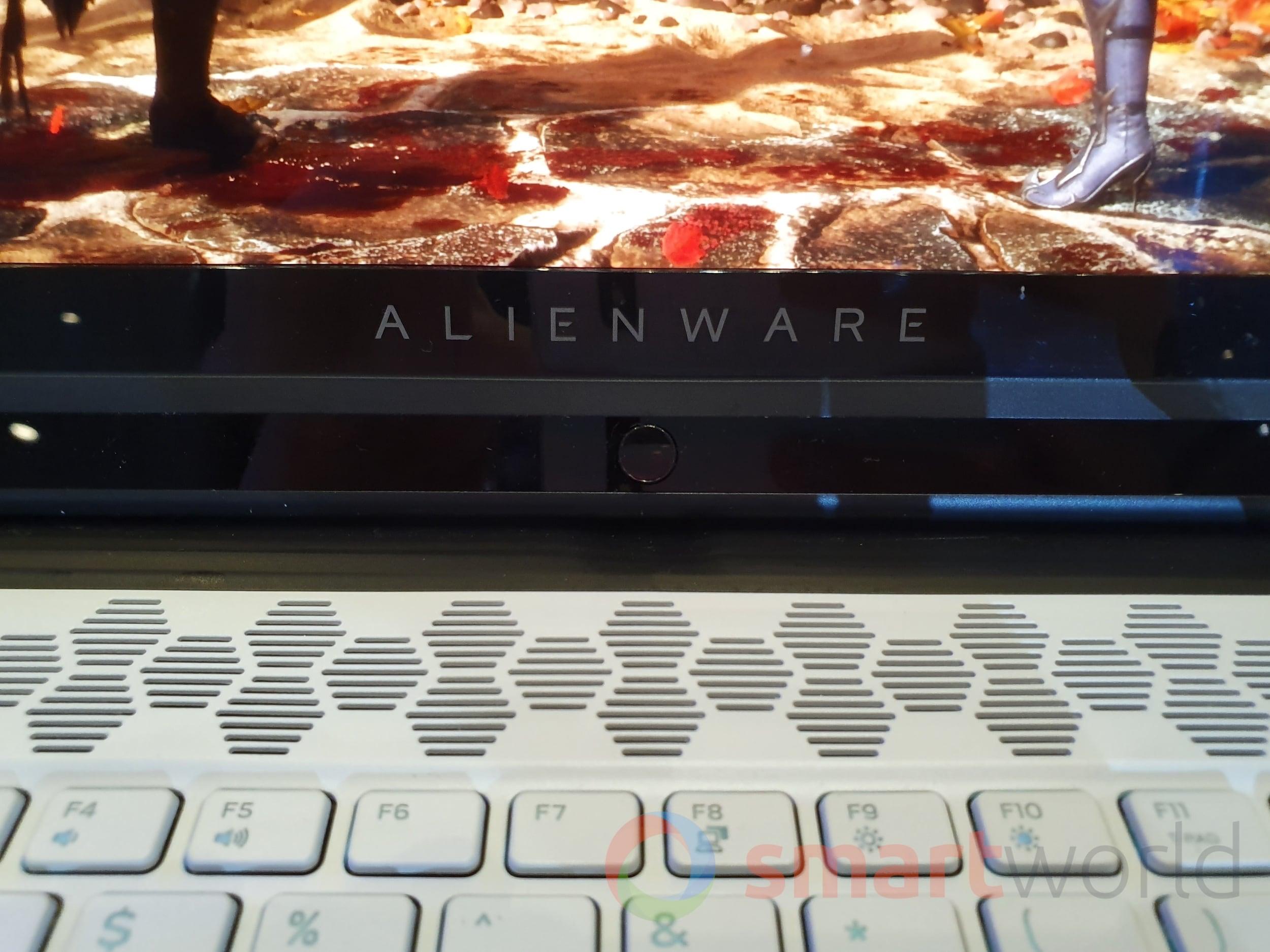 Alienware M15 M17 1