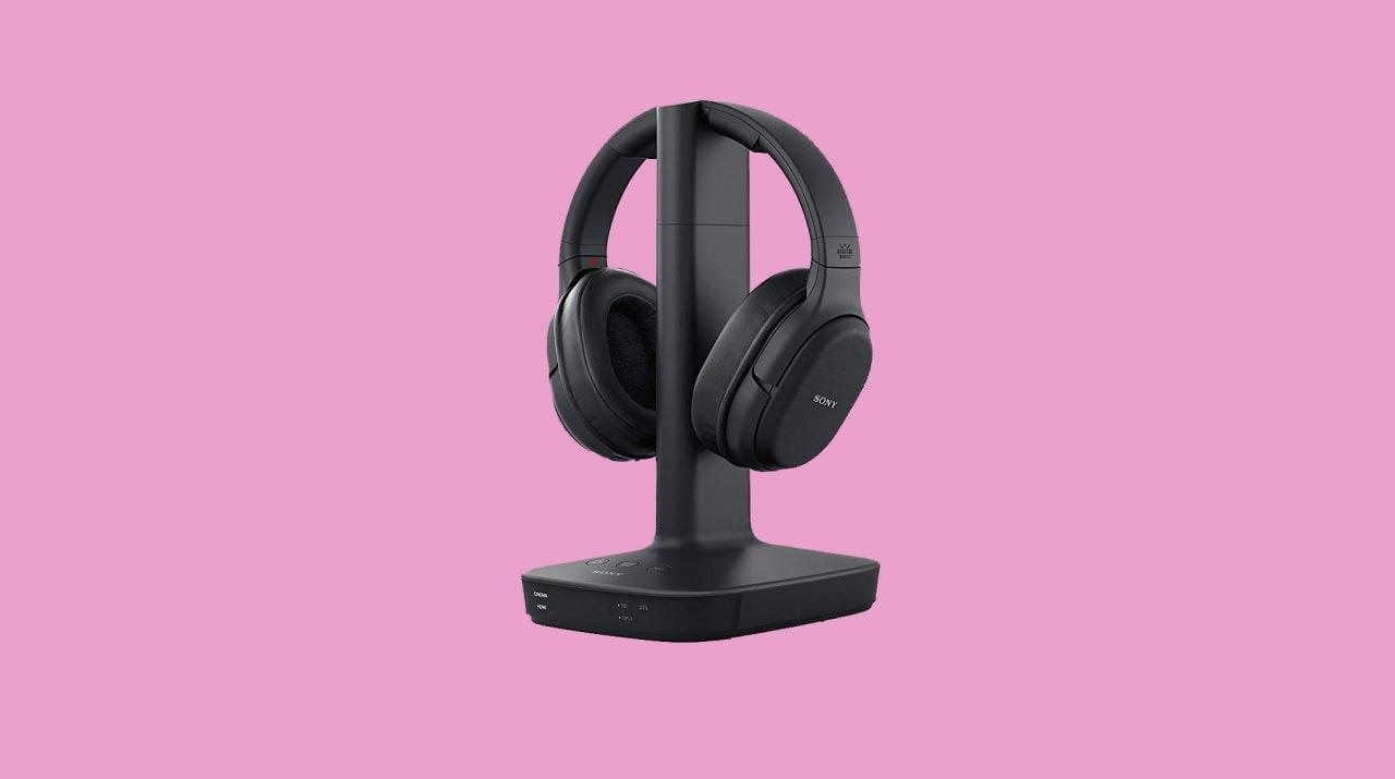Le cuffie wireless Sony perfette per la TV oggi costano 169€ su Amazon